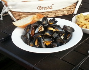 Moules...or mussels, whichever, they taste fantastic!